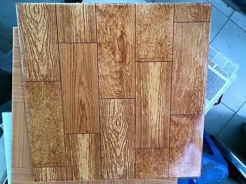 Gạch giá rẻ 40x40 vân gỗ